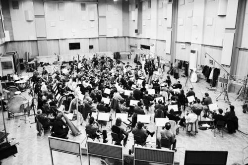 The+Beatles+Symphony+Orchestra+Inside+Abbey+Road+Studio++Lond
